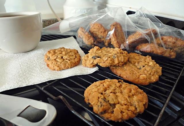 http://1.bp.blogspot.com/-y5MKOcDDP-k/U0Xc53MSlUI/AAAAAAAAACo/KD3-EwMzn-I/s1600/oatcookies.jpg