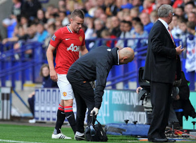 Tom Cleverley ligament injury Manchester United v Bolton