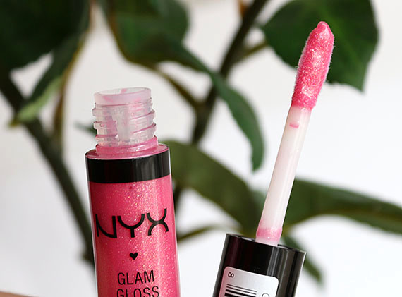 NYX I'm Coming Out Glam Lipgloss Aqua Luxe