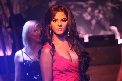 neetu chandra from kiladi movie photo gallery