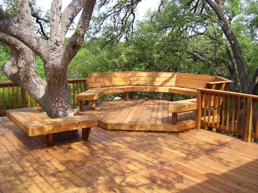 backyard deck design in tree