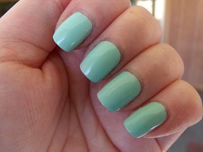 Essie Mint Candy Apple 2