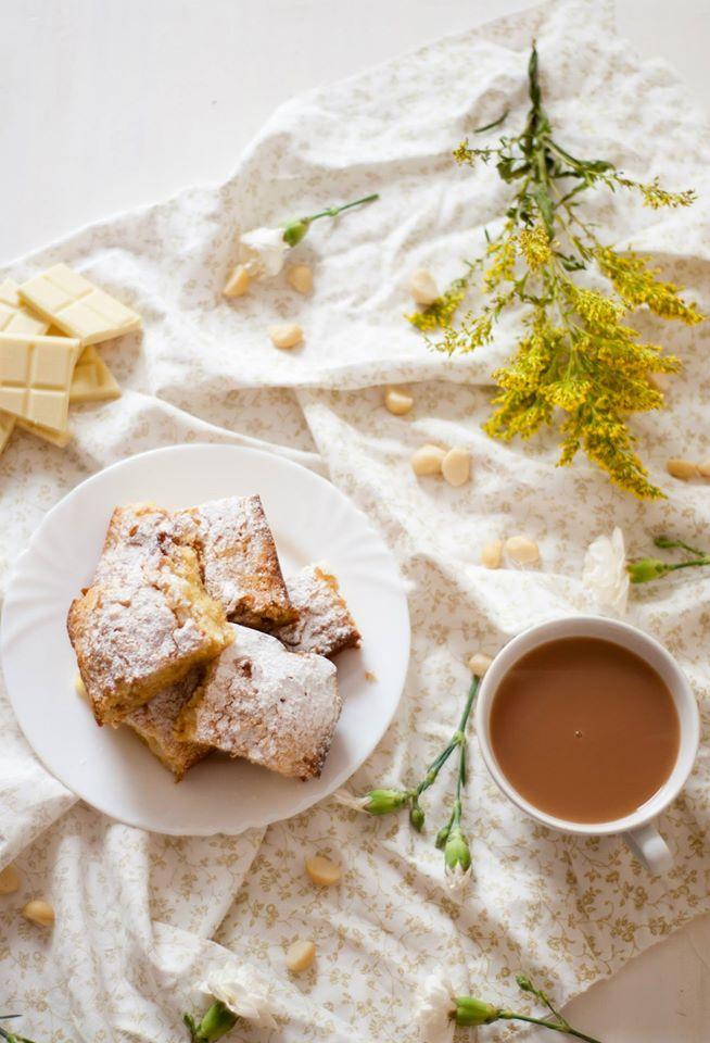 white, chocolate, macadamia, blondies, recipe, blog, blogger, uk, lifestyle, baking