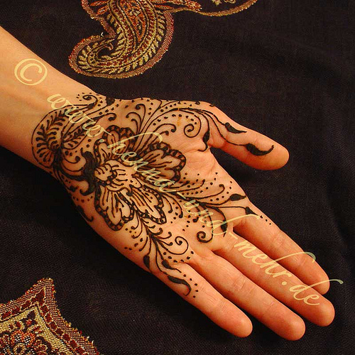 simple mehndi designs for hands shadi pictures. Black Bedroom Furniture Sets. Home Design Ideas