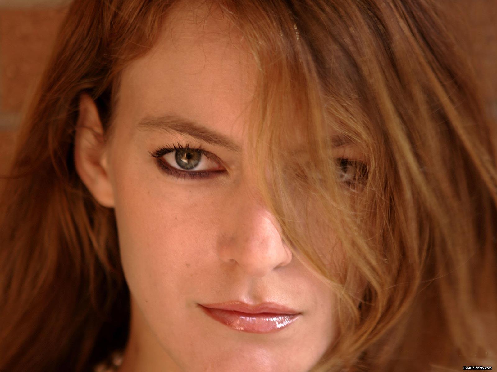Camille Natta Nude Photos 28