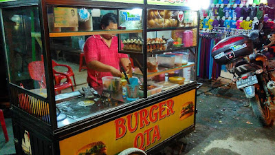 Burger Qta Depan Pajak Gambir Tembung