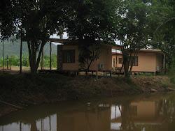บ้านพักบรรยากาศริมน้ำ