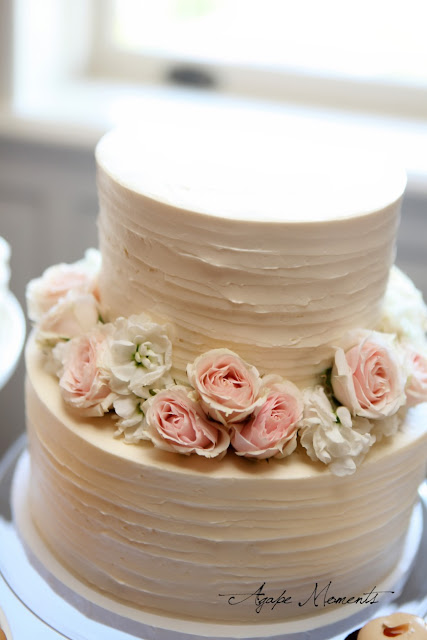 Simply and Elegant Wedding Cake Minneapolis