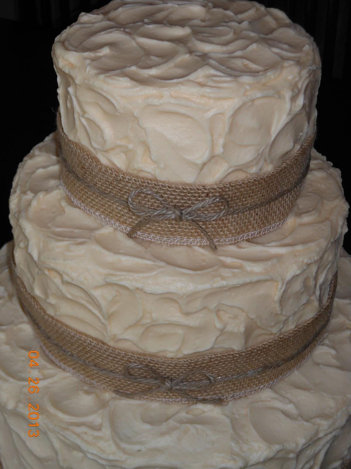 Rustic Burlap Wedding Cake