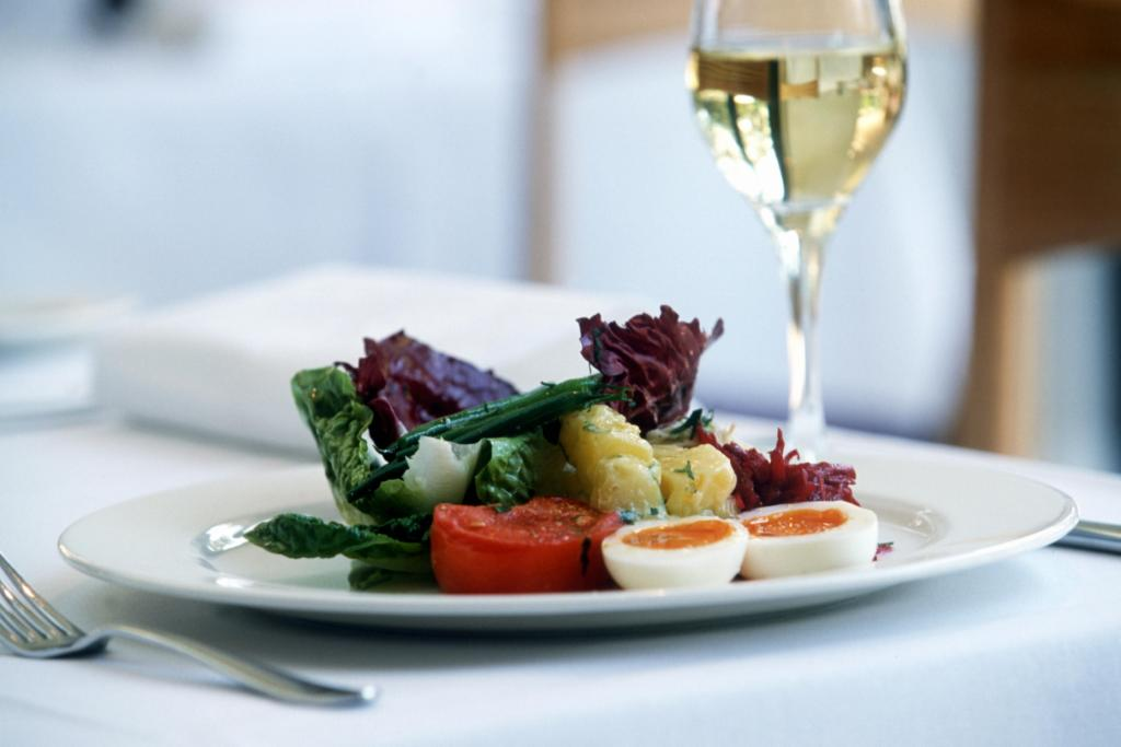 Wine and food hotel mangement for Cuisine wine