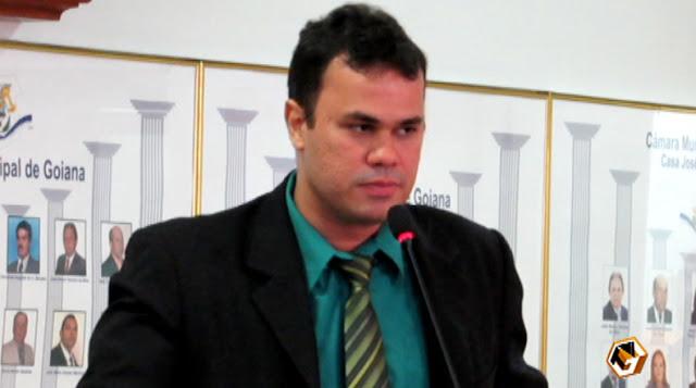 http://www.blogdofelipeandrade.com.br/2015/09/vereador-reclama-que-colegas-estao.html