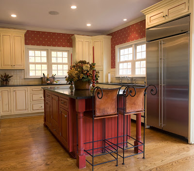 a traditional kitchen design which mix the modern and classic elements