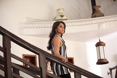 anushka @ thulli ezhunthathu kadhal movie new hot images