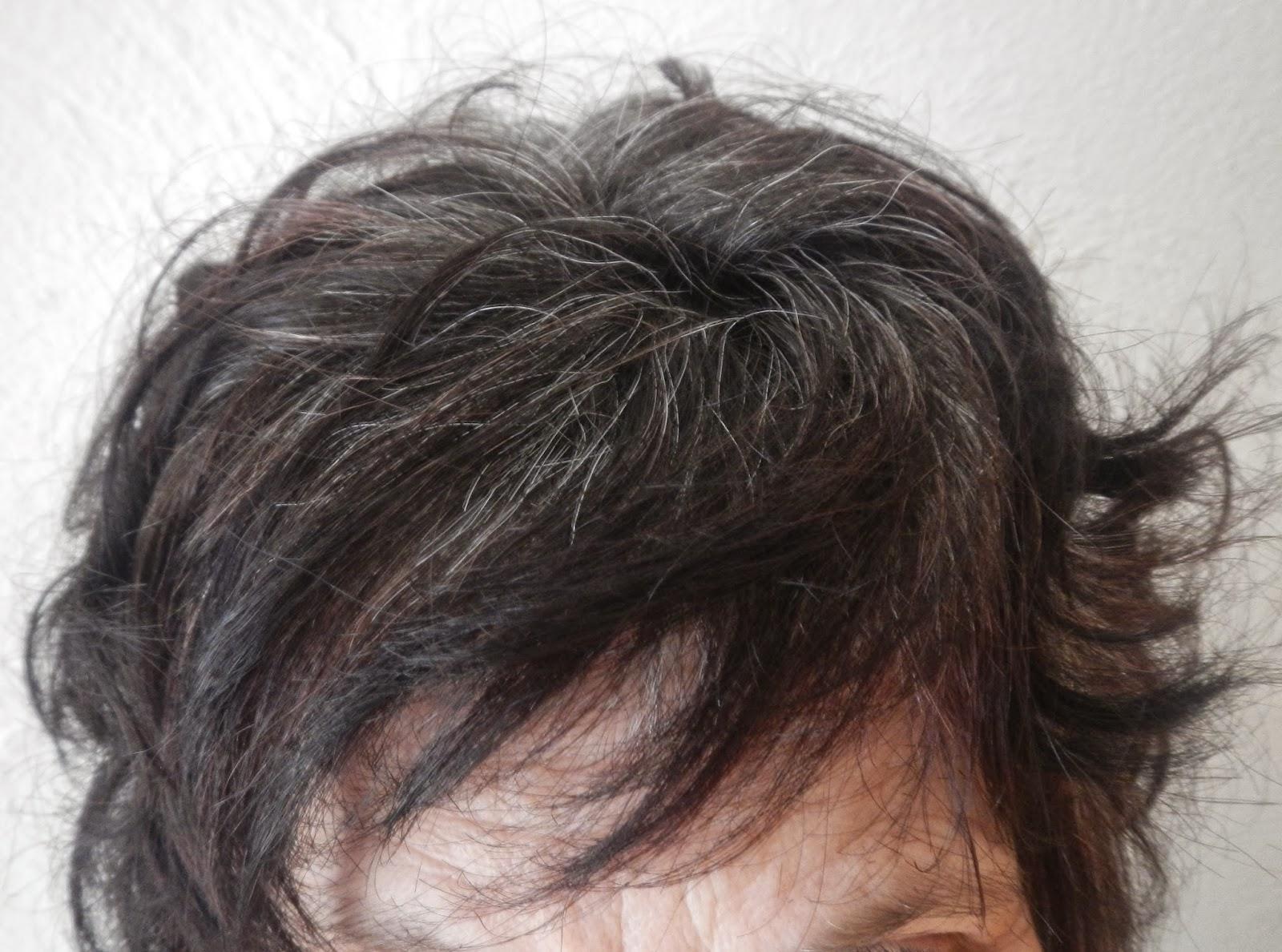 Coloration henne pour cheveux blancs