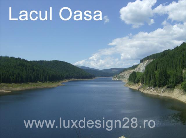 Lacul de acumulare Oasa poza facut in drum spre Obarsia Lotrului - judet Alba si judet Sibiu - Romania