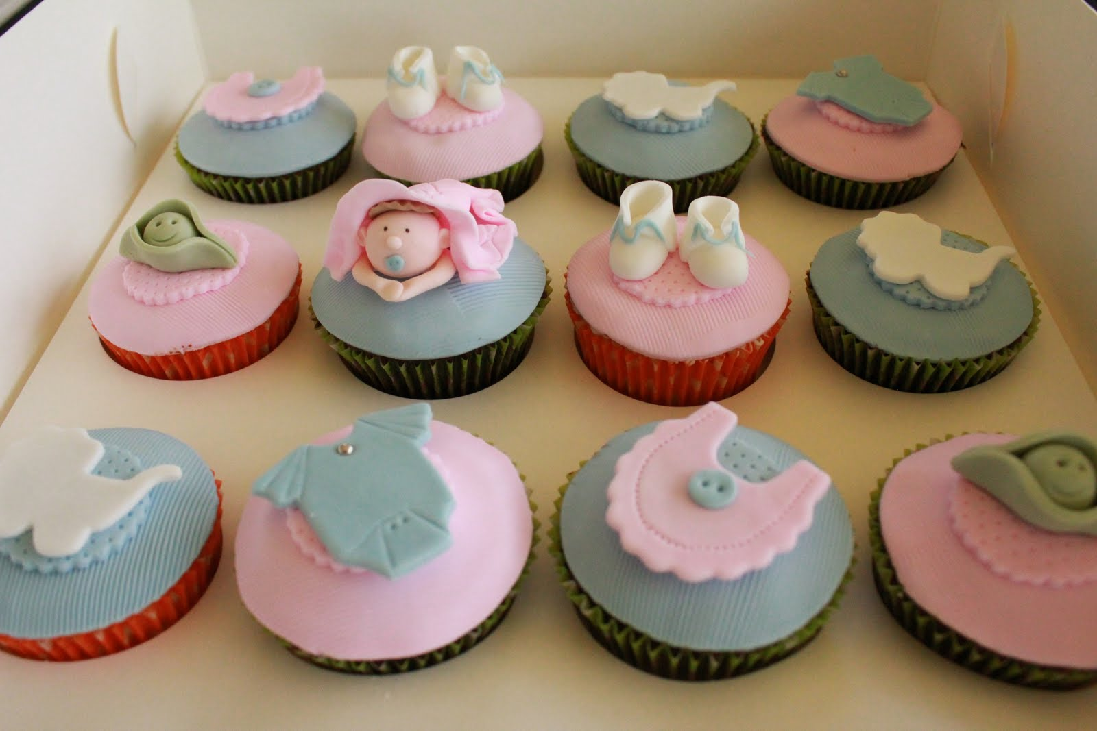 Unisex Baby Shower Cupcakes : Blissfully Sweet: Blue & Pink Baby Shower Cupcakes