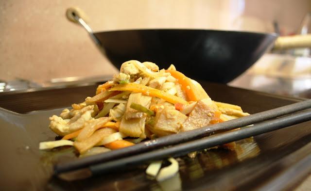 Noodles Alocados en la Cocina