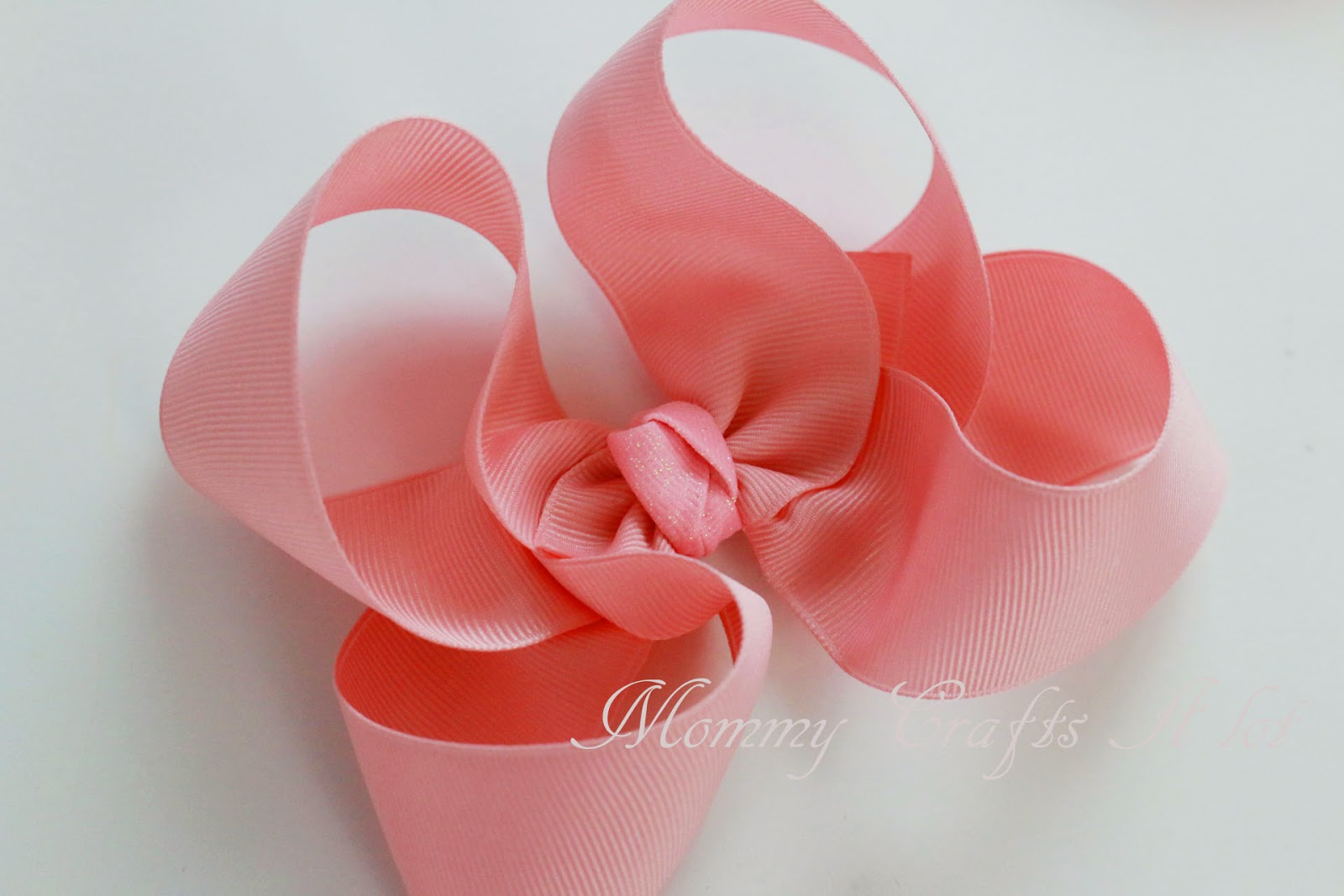 Mommycraftsalot How To Make The Twisted Boutique Bow