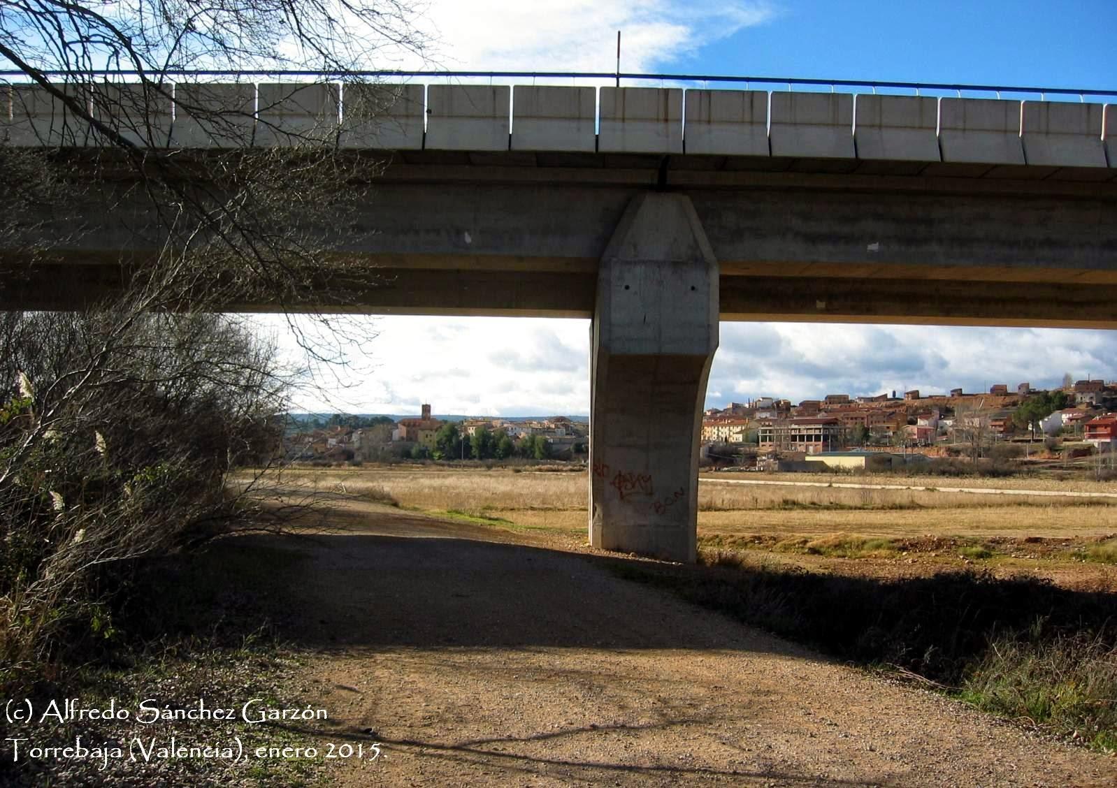 puente-torrebaja-caserio