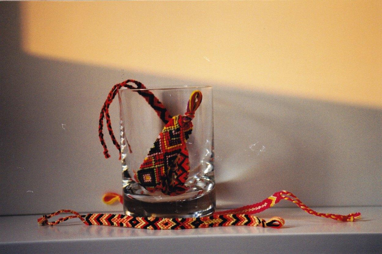 La sinforosa braccialetti di cotone magliette e oggetti for Sito per regalare oggetti