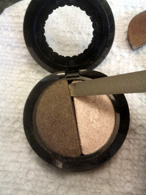 Too Faced Eye Shadow Duo in Erotica Silk Teddy Depotting