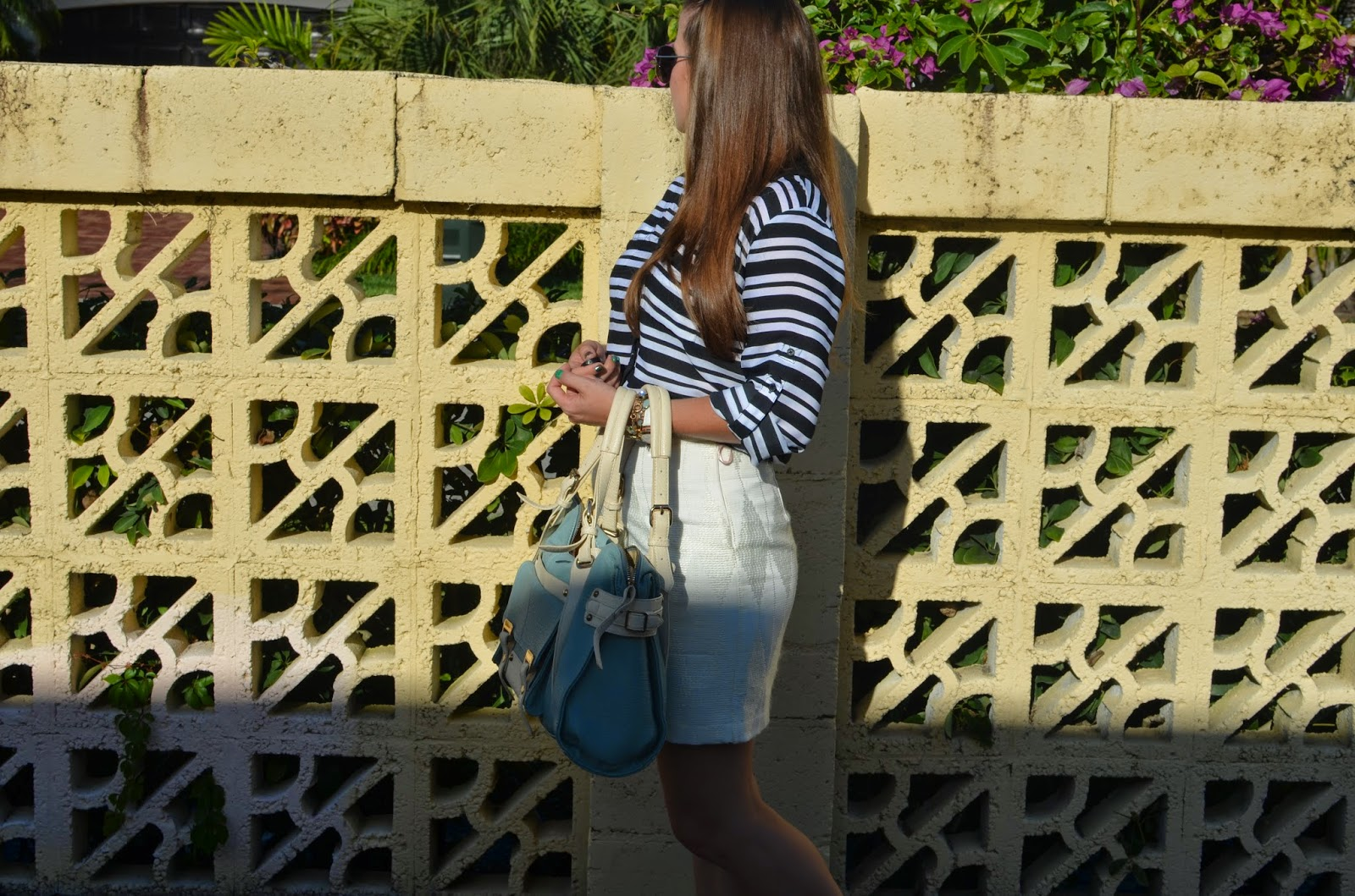 White skirt - striped portofino - Urban expressions - white sandals