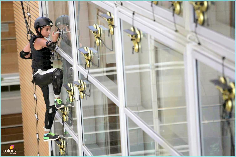 Khatron Ke Khiladi Gauhar Khan on wall as spider woman during a stunt of Season 5
