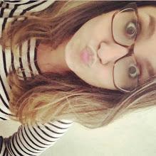 A Menina que usa óculos