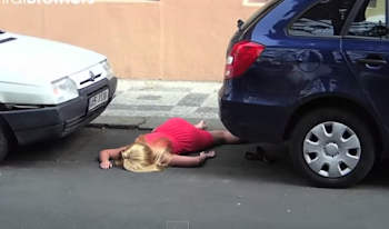 Η χειρότερη εκδίκηση της κοπέλας στο αγόρι της. Δείτε τι σκαρφίστηκε... [video]