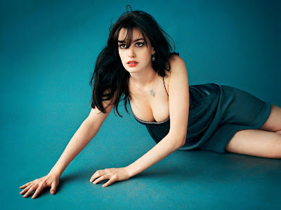 2011 Anne Hathaway Hot Photo Galleries