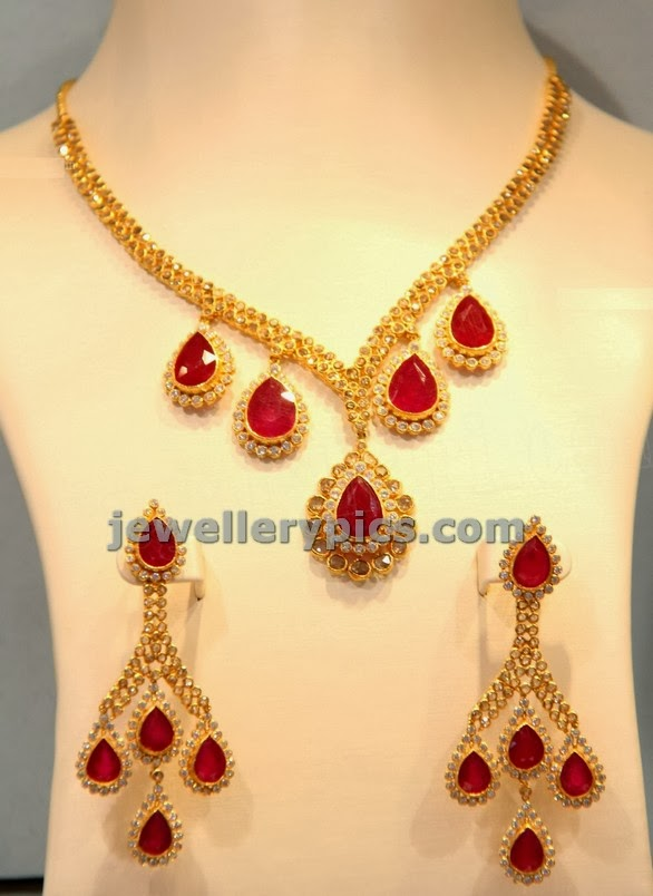 designer uncut rubu necklace and earrings