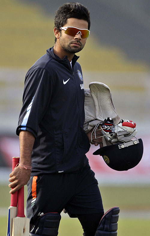 worldcup 2011 cricket match Virat Kohli during practice wallpapers