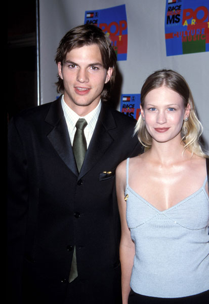 ashton kutcher dating list Here are some interesting facts about ashton kutcher that aren't common his girlfriend was murdered by a serial ashton was dating a woman named.