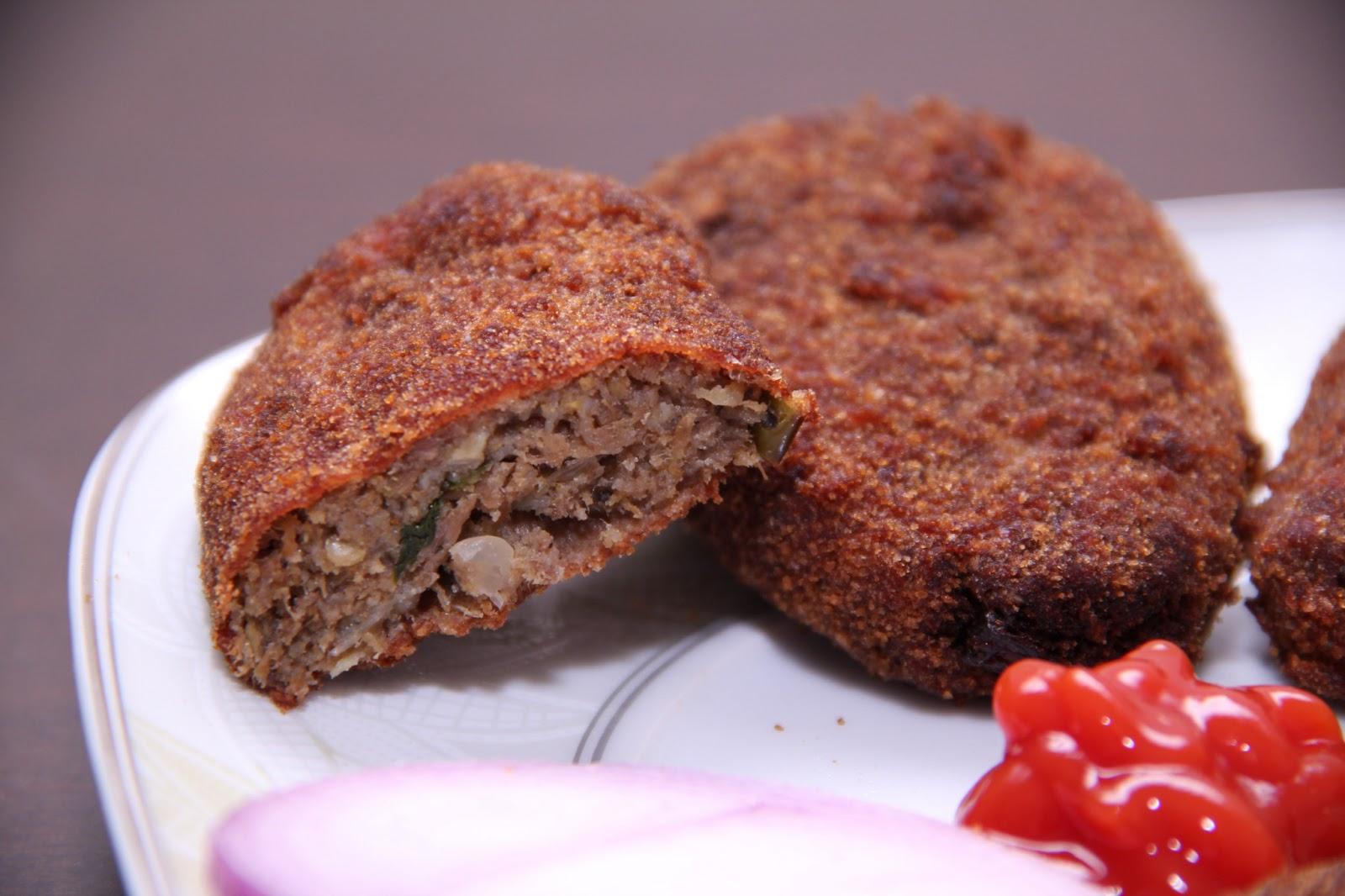 Мясо (телятина, говядина) — 1/2 кг, крахмал — 2 ст.