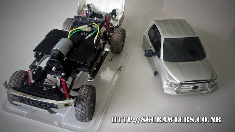 tamiya - Boolean21's Tamiya Highlift Tundra - new paint scheme - Ivan Stewart Toyota Theme 20140730_111847