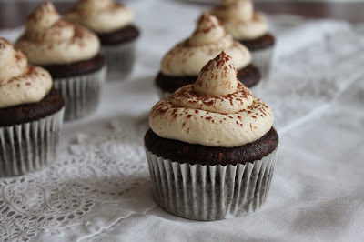 cupcake de chocolate y dulce de leche