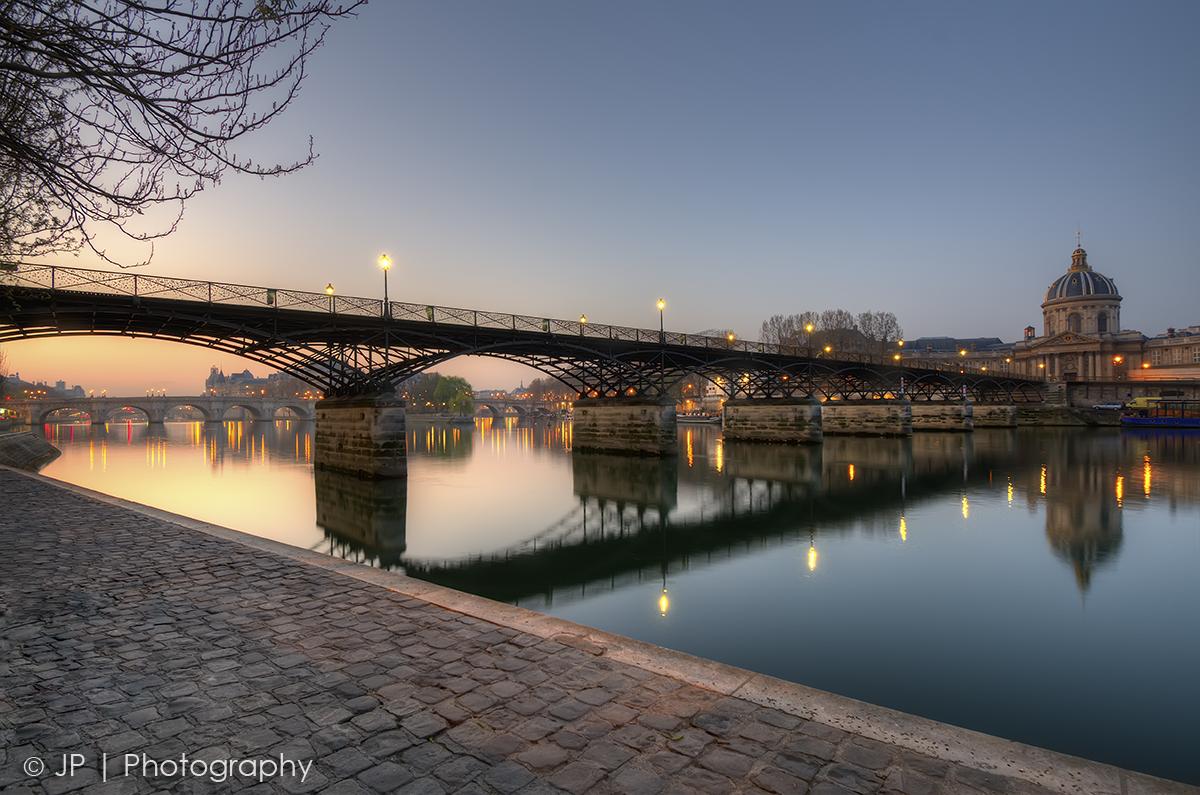 travel wonderland bonjour paris lover 39 s bridge pont. Black Bedroom Furniture Sets. Home Design Ideas