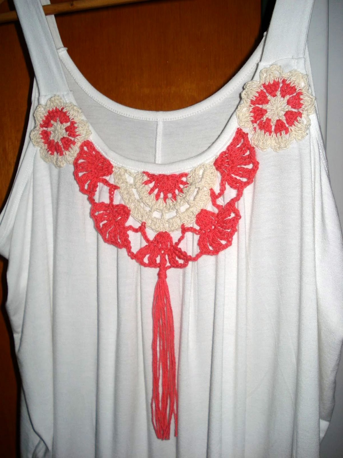 KROCHETA: Nueva Remeras con Apliques tejidos Crochet VERANO 2012