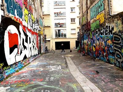 PARIGI: EVASIONI