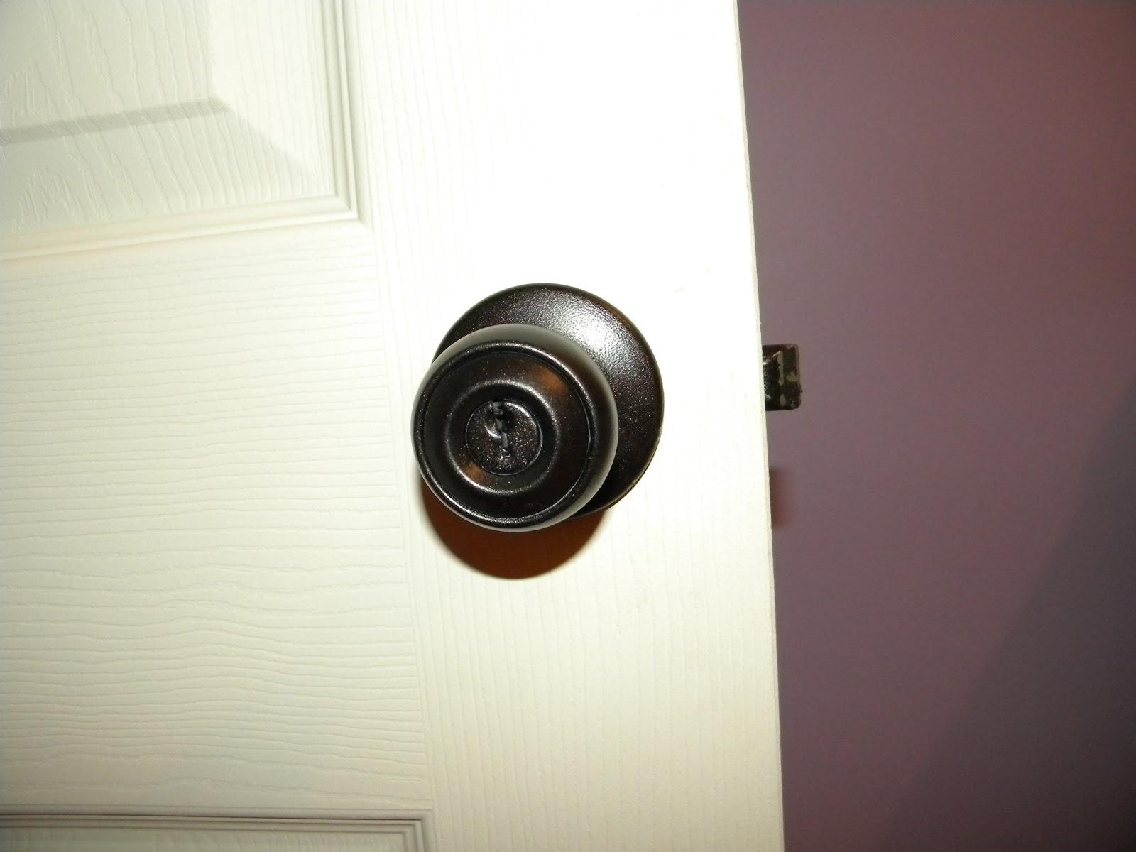 teach lake love oil rubbed bronze spray painted door knob. Black Bedroom Furniture Sets. Home Design Ideas