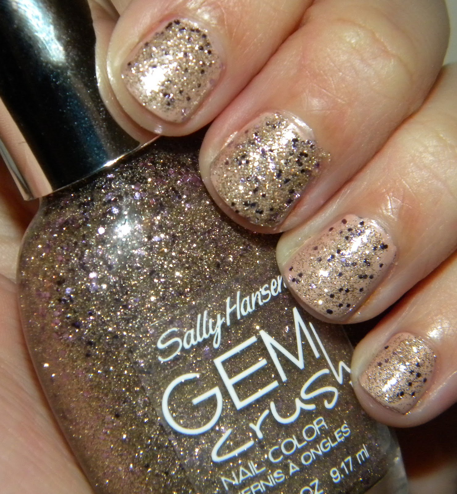 NOTD - Sally Hansen Gem Crush Nail Color in Big Money