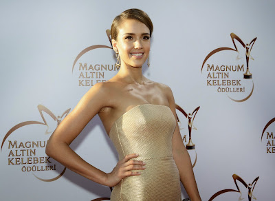Jessica Alba in Romona Keveza strapless metallic Gown at Magnum Golden Butterfly Awards in Istanbul