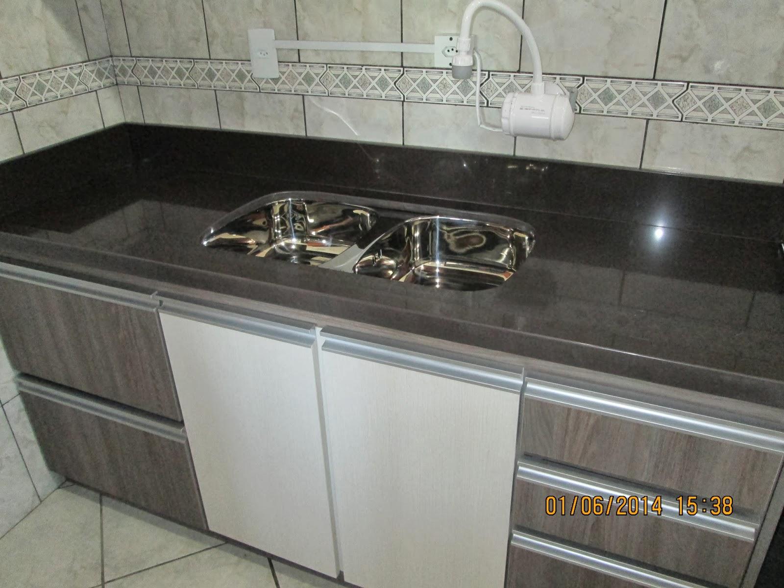 #615A4E MARMORARIA CARDOZO: Bancada de cozinha em granito Marrom Absoluto. 1600x1200 px Banheiro Granito Marrom Absoluto 3063