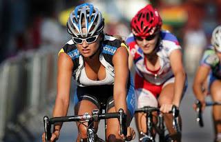 Ποδηλάτες ενυδάτωση και ισοτονικά