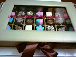 SET CHOC 35 CAVITY IN BOOK STYLE BOX