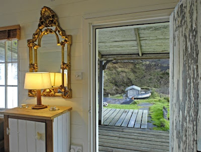 vintagesusie wings hung up on demi moore half light. Black Bedroom Furniture Sets. Home Design Ideas