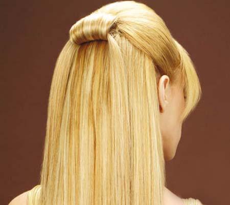 дълга руса права коса