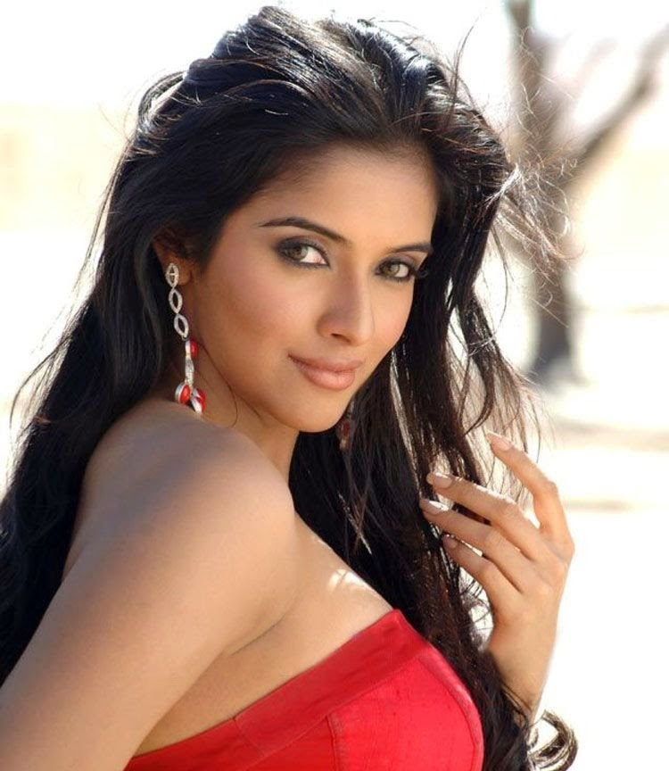 A, Asin, Asin Hot pics, HD Actress Gallery, latest Actress HD Photo Gallery, Latest actress Stills, Tamil Actress, Tamil Actress photo Gallery, Hot Images, Tamil actress Asin latest Hot Photo Stills