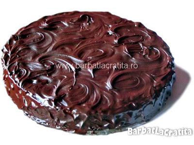 Tort cu crema de ciocolata si frisca reteta