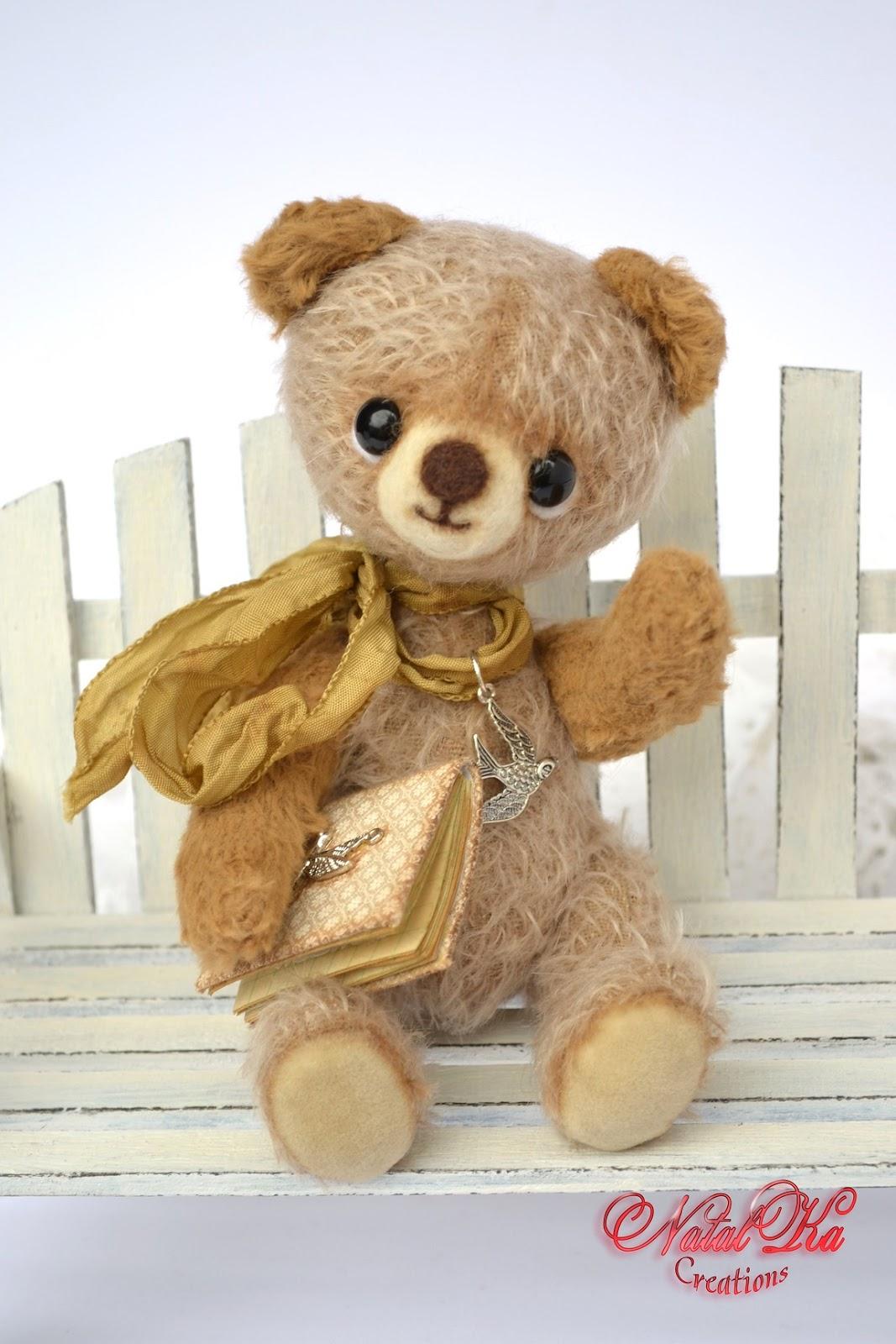 Künstlerbär teddybär Bär Teddy Unikat handgemacht aus Mohair von NatalKa Creations. Artist teddy bear ooak handmade from mohair by NatalKa Creations
